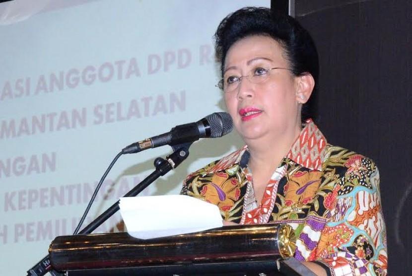 Wakil Ketua DPD RI Gusti Kanjeng Ratu (GKR) Hemas saat membuka Rapat Konsolidasi Anggota DPD RI dengan Pemerintah Daerah di Banjarbaru, Rabu (9/9).