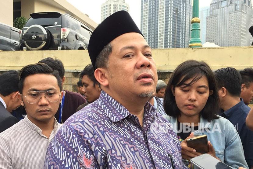 Wakil Ketua DPR RI, Fahri Hamzah, usai membuat laporannya terhadap Presiden PKS (Partai Keadilan Sejahtera), Sohibul Iman, di Mapolda Metro Jaya, Kamis (8/3) pukul 16.15 WIB.