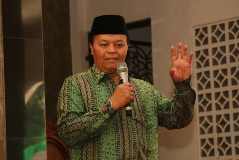 Wakil Ketua MPR RI, Hidayat Nur Wahid, berceramah dalam acara Milad Yayasan Teratai Putih Global di Masjid Al-Muhajirin Teratai Putih Global, Cimuning, Mustikajaya, Kota Bekasi, Kamis (20/4).