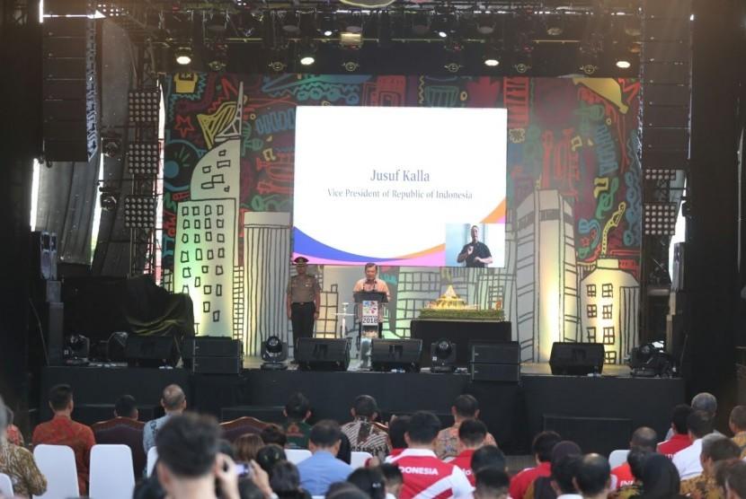 Wakil Presiden Jusuf Kalla ketika meresmikan hitung mundur Asian Para Games 2018 di JIExpo, Kemayoran, Jakarta Pusat, Jumat (6/10). Asian Para Games 2018 akan digelar pada 8-16 Oktober 2018, atau sekitar dua bulan setelah Asian Games 2018.