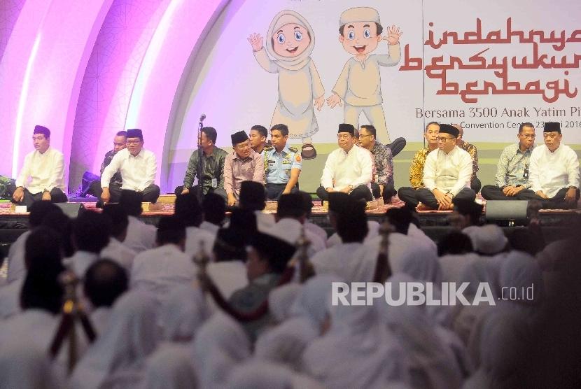 Jusuf Kalla in different occasion.