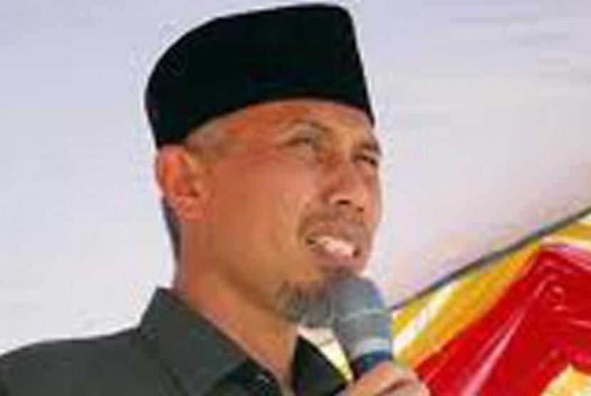 Kawasan GOR H Agus Salim Padang Dipercantik