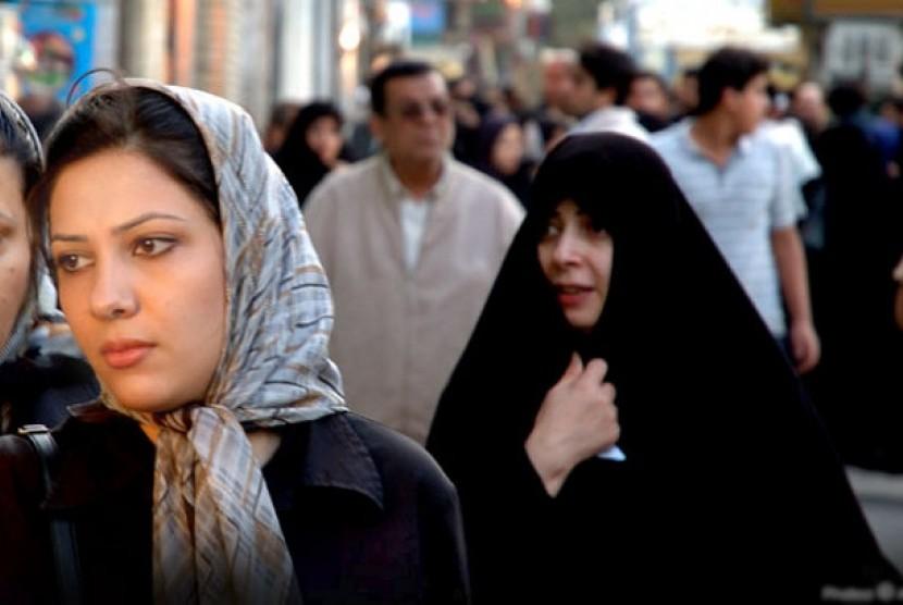 Wanita di Iran (ilustrasi)
