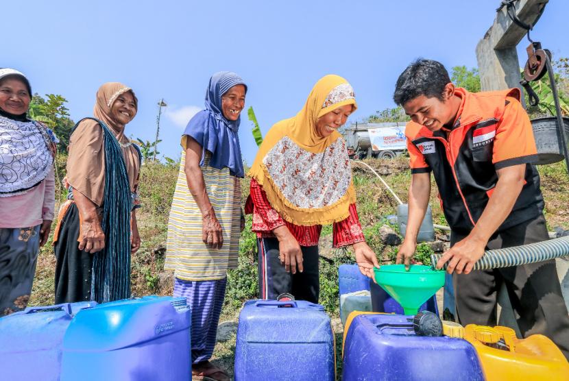 Warga Desa Perbukitan Gunungkidul Dapat Bantuan Air Bersih