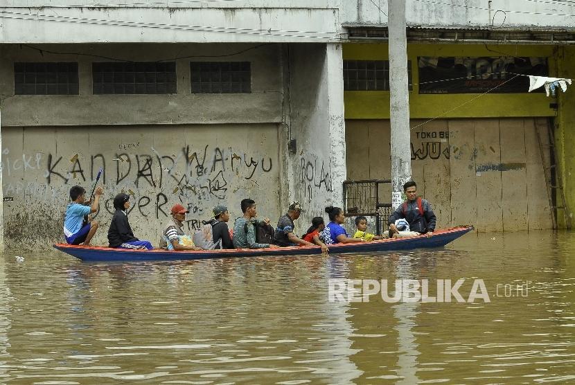 Camat Bandung Diimbau Waspadai Musim Hujan
