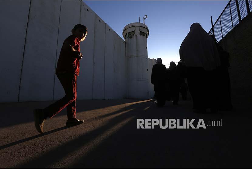 Israel Kembali Pasang Kamera Pengawas di Masjid Al-Aqhsa