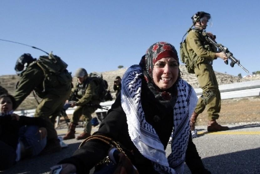 Warga Palestina kerap menjadi korban kekerasan dan kebrutalan tentara Israel, baik di Tepi Barat atau di Jalur Gaza.