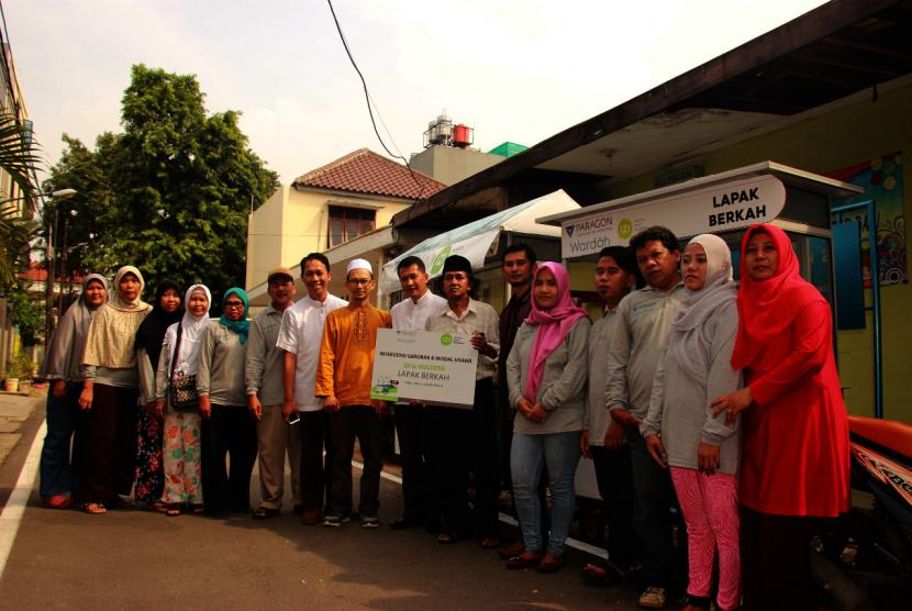 Warga Petojo Utara, Jakarta Pusat, penerima manfaat  program