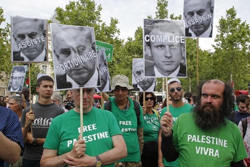 Warga Prancis melancarkan unjuk rasa pada Sabtu (16/7), memrotes kedatangan PM Israel Benjamin Netanyahu ke Paris.