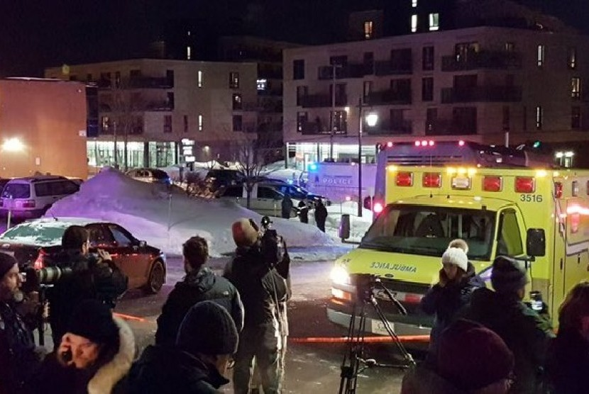 Biadab !!! Umat Islam Di tembak Ketika Sedang Shalat