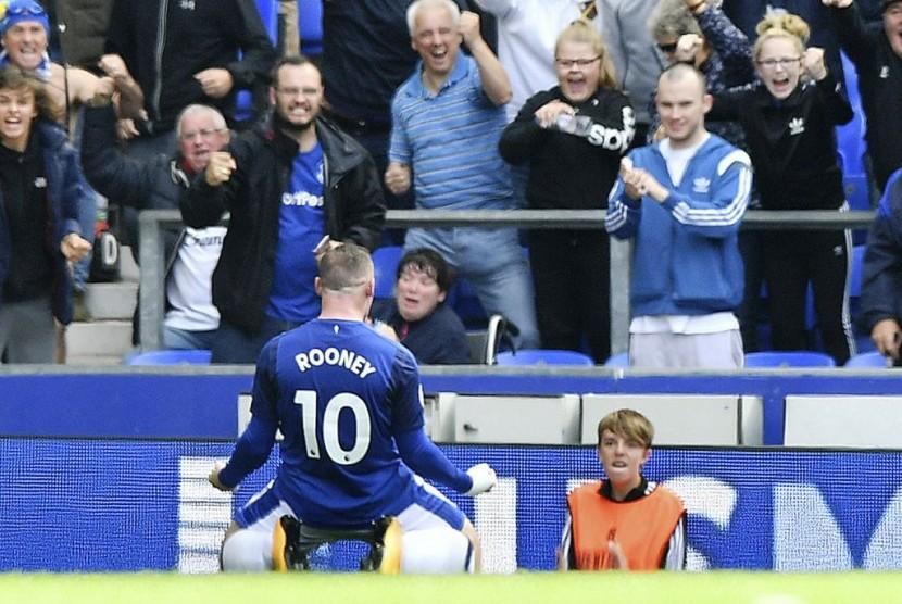 Derby Merseyside, Everton Tahan Imbang Liverpool