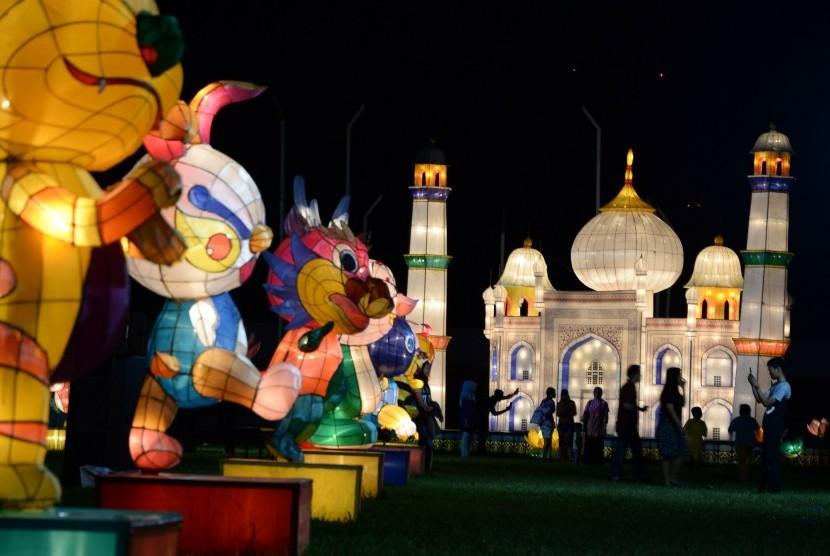 Lantern festival held at Bumi Sriwijaya stadion, Palembang, South Sumatra, May 2017.