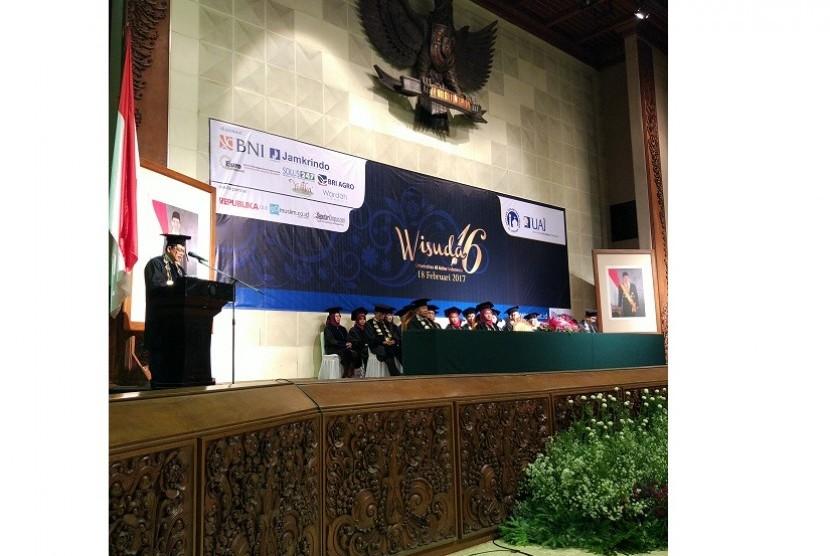 Wisuda ke-XVI Universita Al-Azhar Indoensia