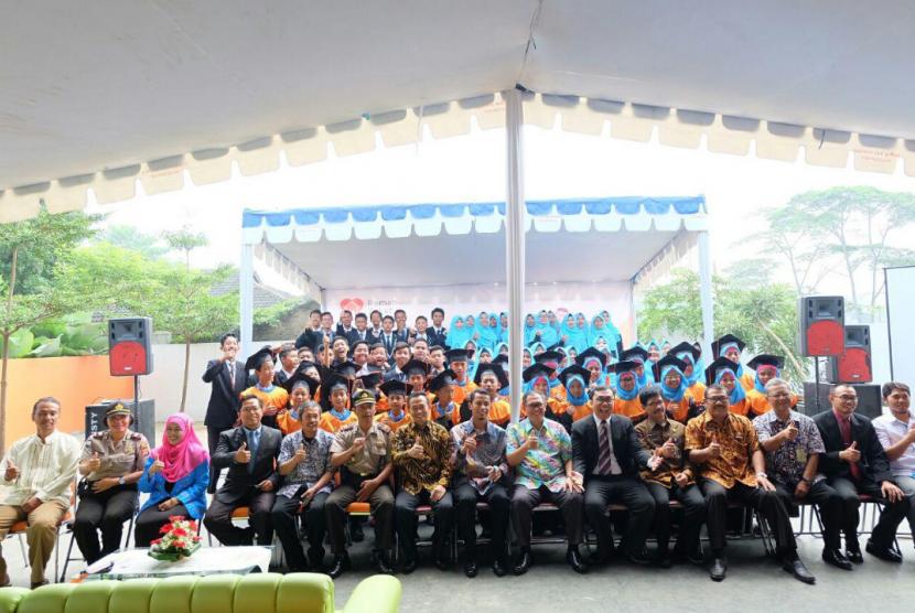 Wisuda SMP Juara Bandung