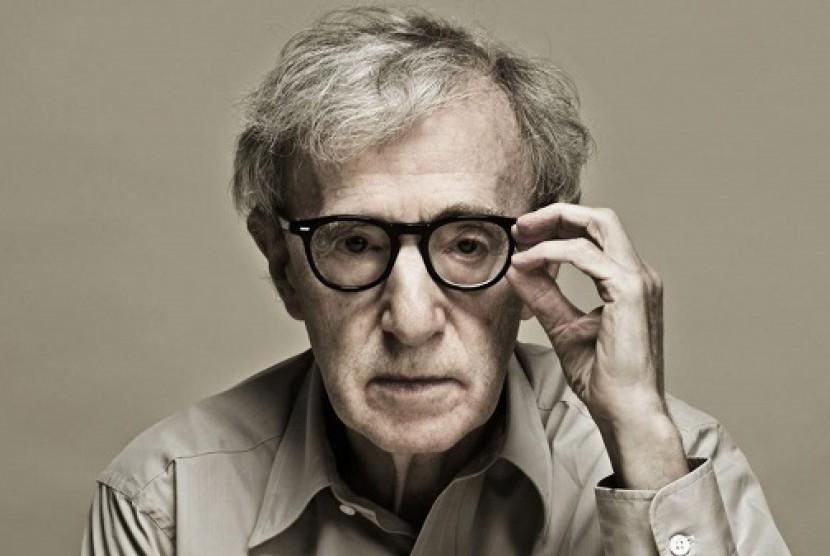 Woody Allen Kasihan pada Weinstein
