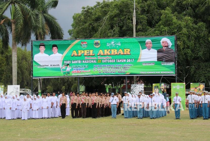 Yonif Raider 514 Kostrad ikuti apel gabungan Peringatan Hari Santri Nasional di alun-alun Bondowoso.