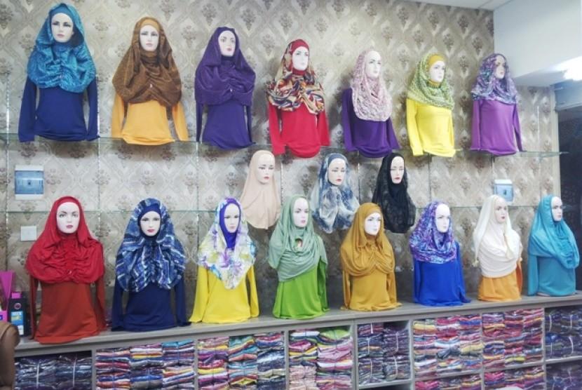 Zona khusus hijab di Thamrin City.