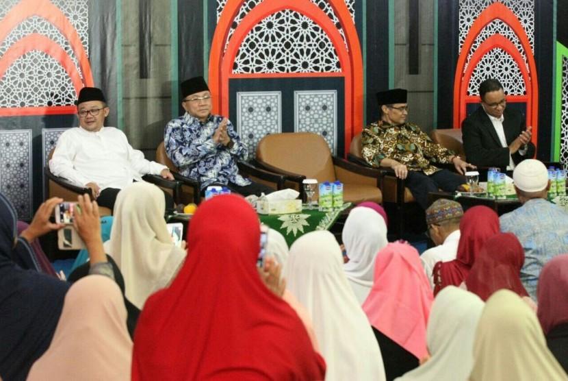 Zulkifli Hasan saat menyampaikan Pidato Kebangsaan di Pengajian Bulanan PP Muhammadiyah, Jumat (10/11).