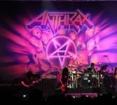 Band thrash metal legendaris Antrax dengan personil Joey Belladonna, Scott, Charlie Benante, Frank Bello, dan Rob Caggiano berhasil menggetarkan arena pertunjukan di pantai Carnaval Ancol, Jakarta, Sabtu (31/3) Malam. (ROL/Fafa)