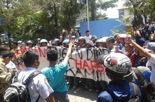 Didemo Siswa Kepsek Smk 3 Makassar Akhirnya Dicopot Republika Online