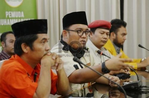 Ketua Ikatan Pemuda Muhammadiyah Dahnil Anzar Simanjuntak saat mmberikan keterangan pers di Gedung Pusat Muhammadiyah, Jakarta, Rabu (22/7).