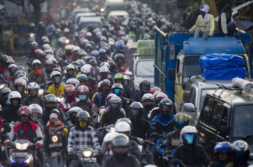 Motorcyclists swarm the road during Eid holidays. (File photo)