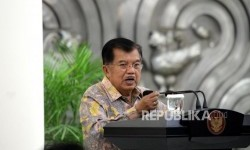 Golkar party's senior politician, Jusuf Kalla