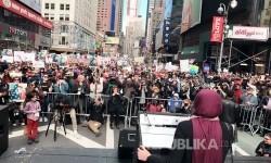 Lebih dari 10 ribuan warga New York ikuti 'Today, I am a Muslim, Too'
