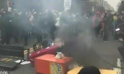 Aksi protes terhadap Donald Trump.