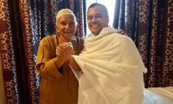 Amien Rais dan Habib Rizieq (right) in Mecca.
