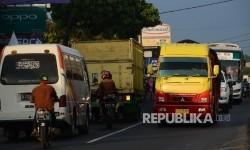Arus lalu lintas di Pasar Limbangan Garut