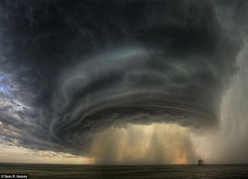 Awan badai