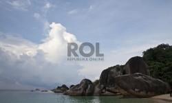 Batu Laskar Pelangi, Pantai Tanjung Tinggi, Bangka Belitung