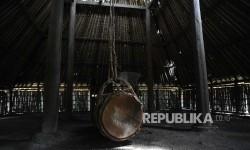 Beduk terpasang didalam Masjid Bayan Beleq,Bayan, Lombok Utara, Nusa Tenggara Barat, Ahad (28\5).