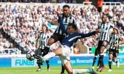 Dele Alli saat menjebol gawang Newcastle United.