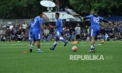 Sejumlah pemain Persib Bandung melakukan sesi latihan di Lapangan Lodaya, Kota Bandung, Rabu (29/3).
