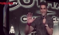 Pertunjukan stand up comedy menjadi daya tarik icelandair untuk menghibur penumpang (Ilustrasi)