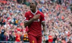 Georginio Wijnaldum membuka keran gol Liverpool ke gawang Middlesbrough, pada laga EPL 2017 di Anfield Arena, Ahad (21/5)