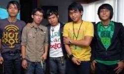 Grup Band Wali, albumnya laris manis di Malaysia.