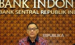 Gubernur Bank Indonesia Agus Martowardojo memberikan keterangan pers usai Rapat Dewan Gubernur BI di Jakarta, Kamis (16/2).