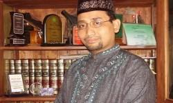 Habiburrahman el Shirazy atau yang disapa Kang Abik