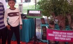 Inovasi energi listrik dari pohon kedondong yang ditemukan Naufal Raziq, siswa MTsN Langsa Lama, Kota Langsa.