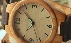Jam kayu. Ilustrasi