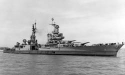 Kapal perang AS Indianapolis di tahun 1954.