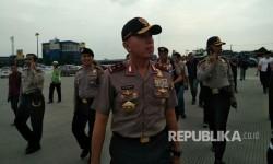 Kapolda Metro Jaya Irjen Pol Mochamad Iriawan meninjau Jalan Tol Cikarang Utama, Jum'at (30/6).