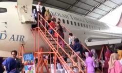 Ratusan Ibu Hamil Relaksasi Masal di Pesawat Udara