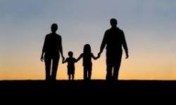 Keluarga perlu menjalani hidup dengan kasih sayang dan mencoba mengurangi ambisi untuk selalu jadi yang terbaik.