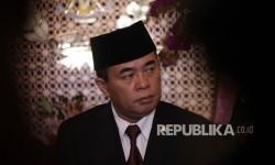 Ketua DPR RI Ade Komaruddin memberikan keterangan pers usai melakkukan pertemuan tertutup di gedung Nusantara III, Kompleks Parlemen, Jakarta, Senin (31/1).
