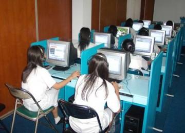 Laboratorium sangat dibutuhkan para peneliti Indonesia.