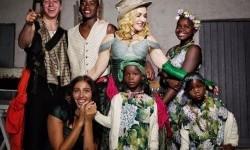 Madonna dan anak-anaknya